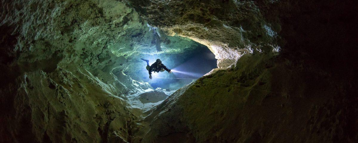 Buceo Cueva
